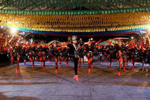 Concurso de quadrilhas juninas atrai milhares de pessoas a Periperi